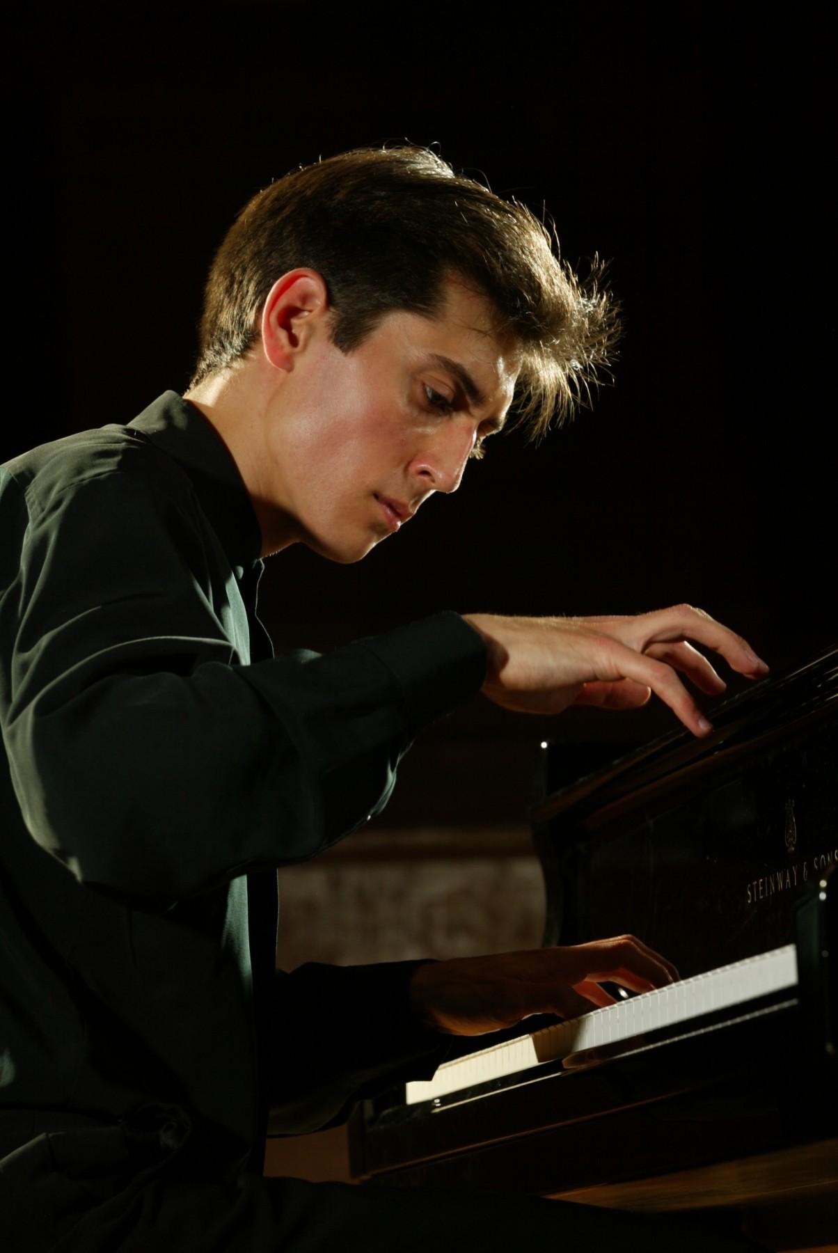 Yevgeny Sudbin at the piano