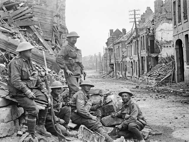 WWI soldiers at Peronne, France