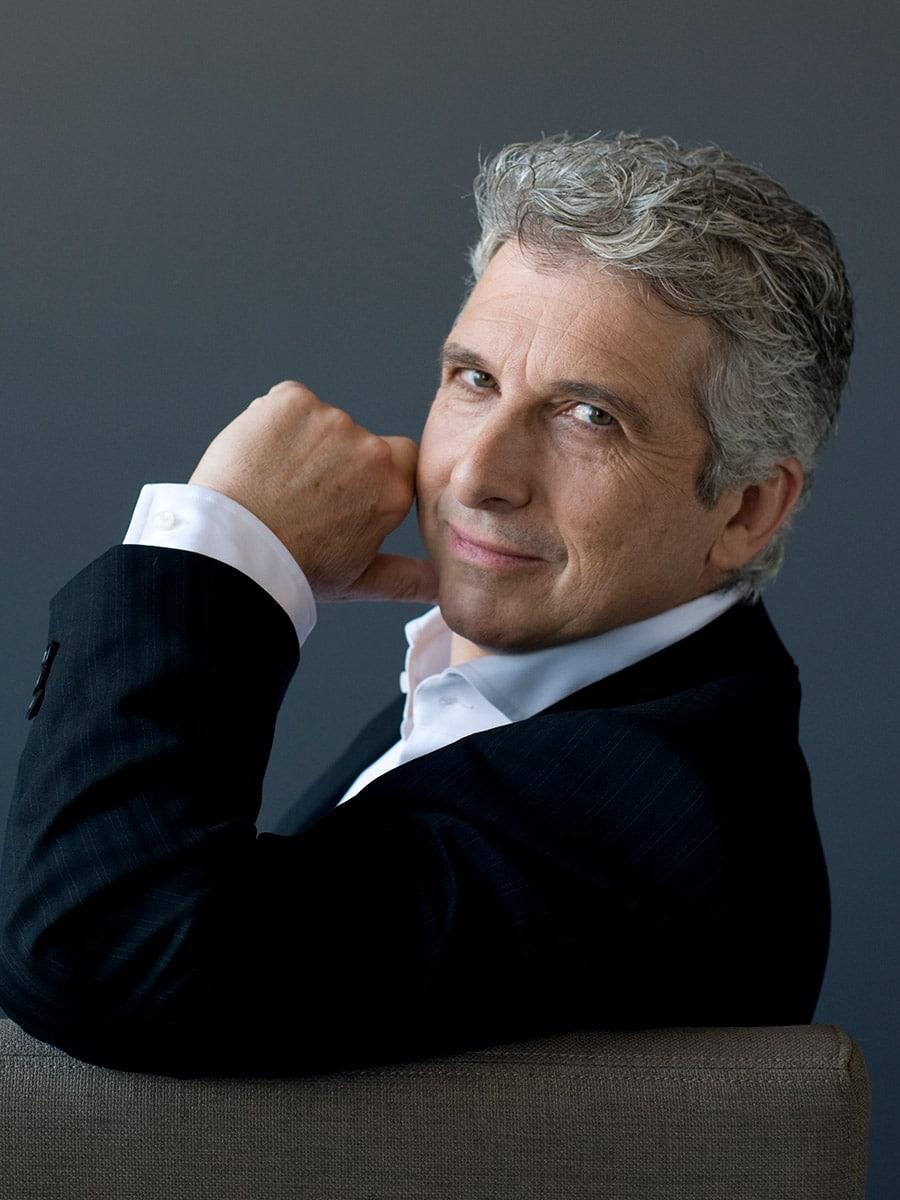 Photo of Peter Oundjian