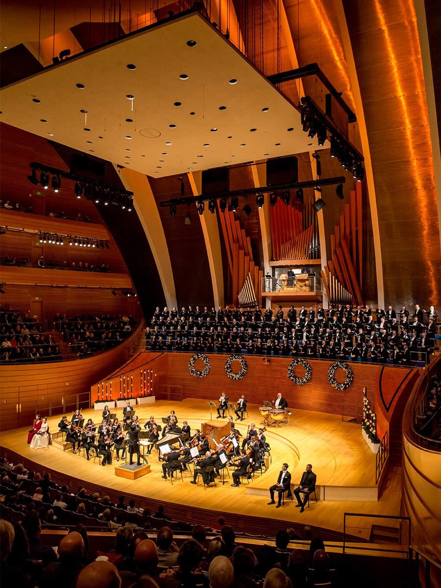 Photo of the Kansas City Symphony and Chorus during a 2018 Messiah performance in Helzberg Hall
