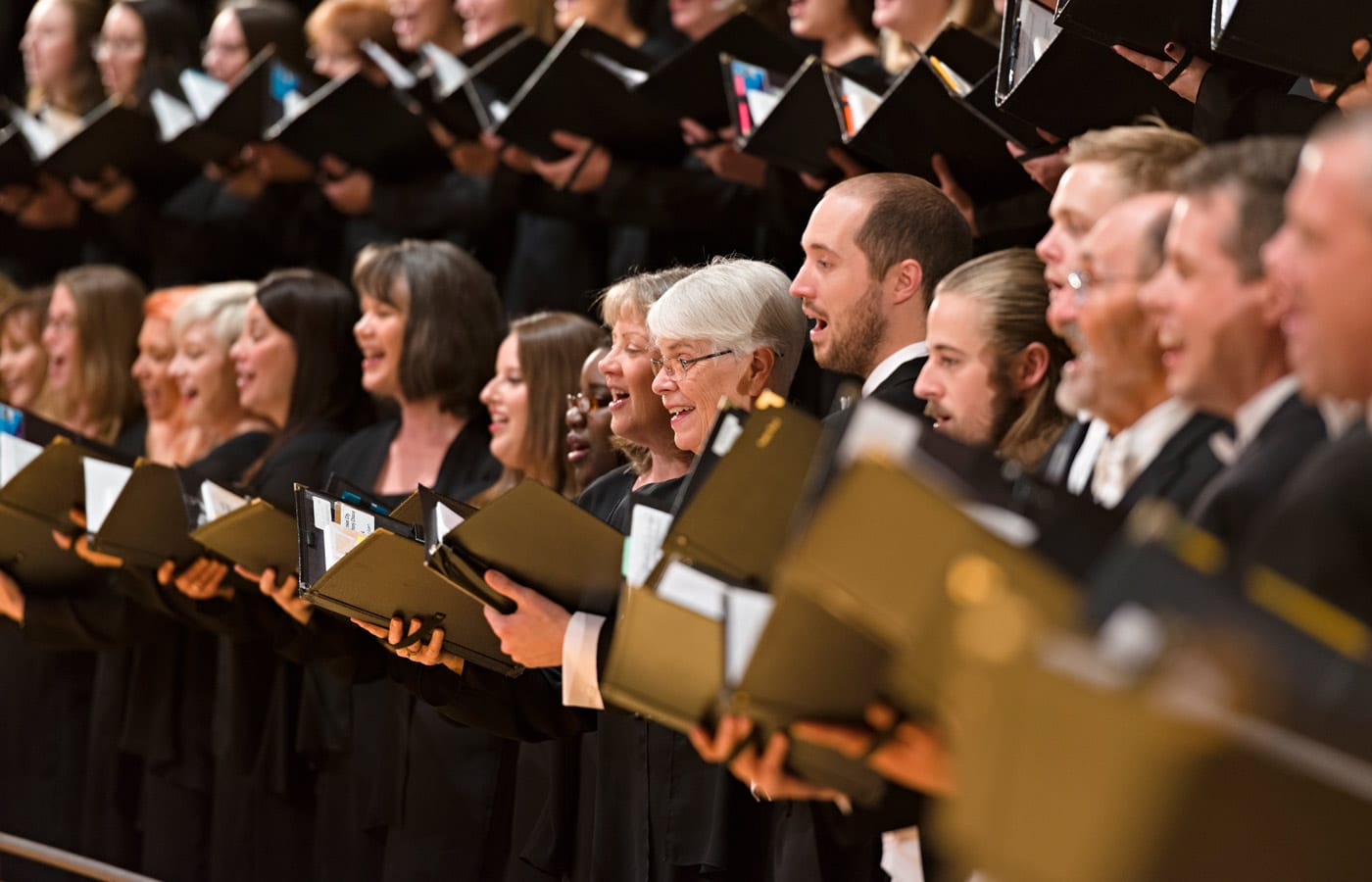 Photo of the Kansas City Symphony Chorus singing in Helzberg Hall